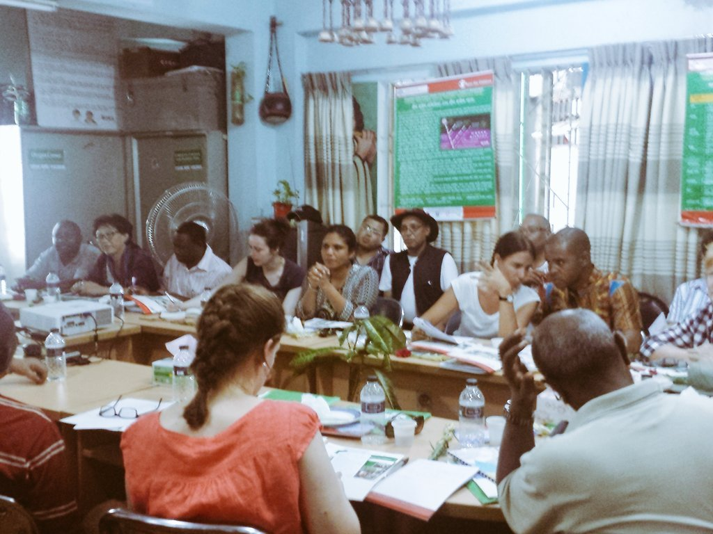 Learning how children mobilize themselves around #climatechange at #cba10 @SCinBD https://t.co/xTAlwW6mRD