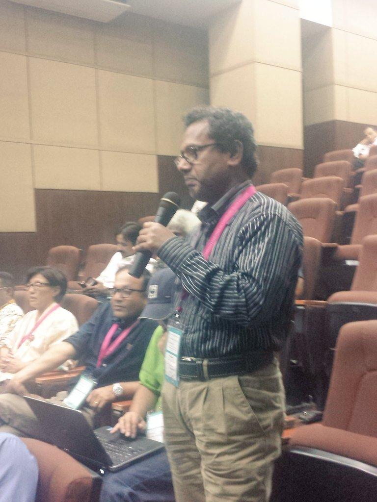 Bangladesh govt. member responds to question about #urban #capacitybuilding #cba10 https://t.co/qFoZuiau2d