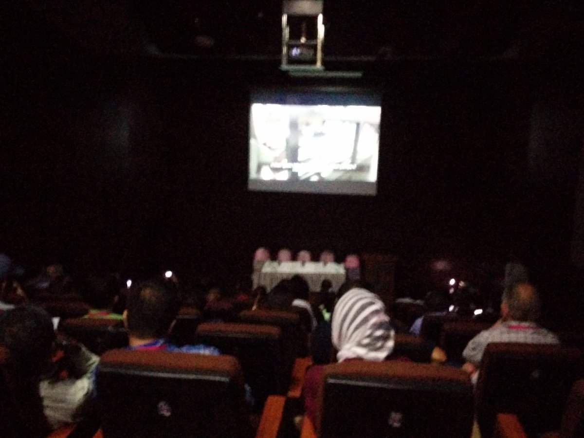 The gallery is packed to see the collection of films on community-based adaptation #CBA10 https://t.co/kebkJXsTxJ