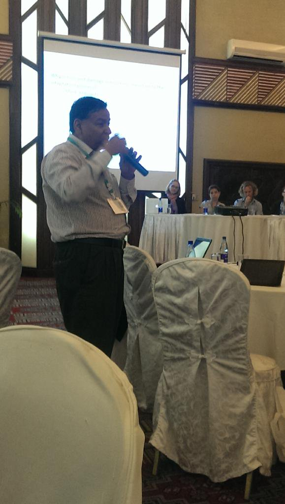 @SaleemulHuq #CBA9 on loss & damage : human induced element of #climatechange is the bit that breaks he camel's back http://t.co/H4zyFdWOxO