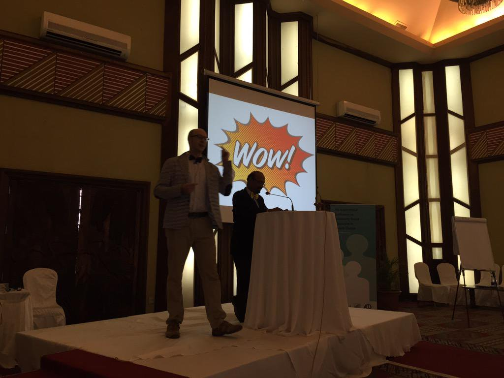 Kicking off the Wow factor session @tommytanner and Arivudai Nambi #CBA9 http://t.co/FMb4Bat34G