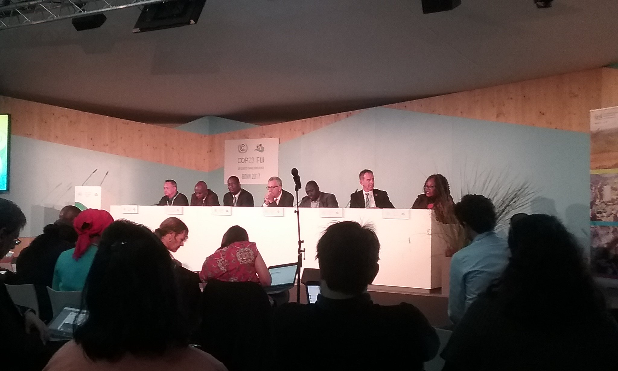 Tanzania would like a decentralized mechanism to channel climate funds directly into local communities #COP23 @COP23 @clareshakya @crawhall7 @IIED @ecioxford @SaleemulHuq https://t.co/bdxXr08uRc