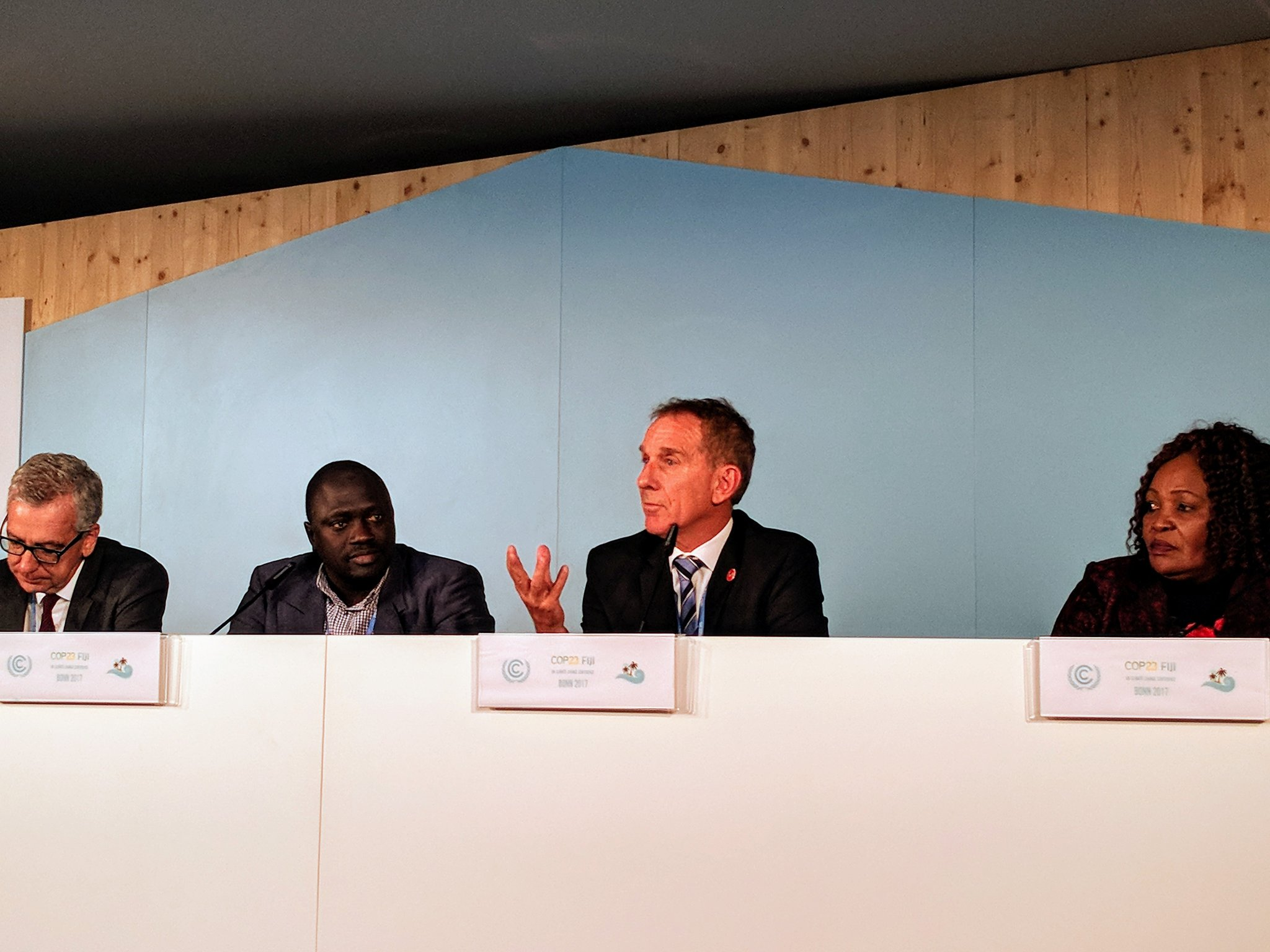 @BobWieckowskiCA talking about how California targets disadvantaged communities in areas of climate need. #cop23 https://t.co/CRnCFZG4d5