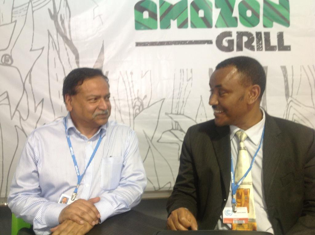 With Minister Kare Chawicha Debessa of Ethiopia @LimaCop20 http://t.co/OzlBm3uNBl