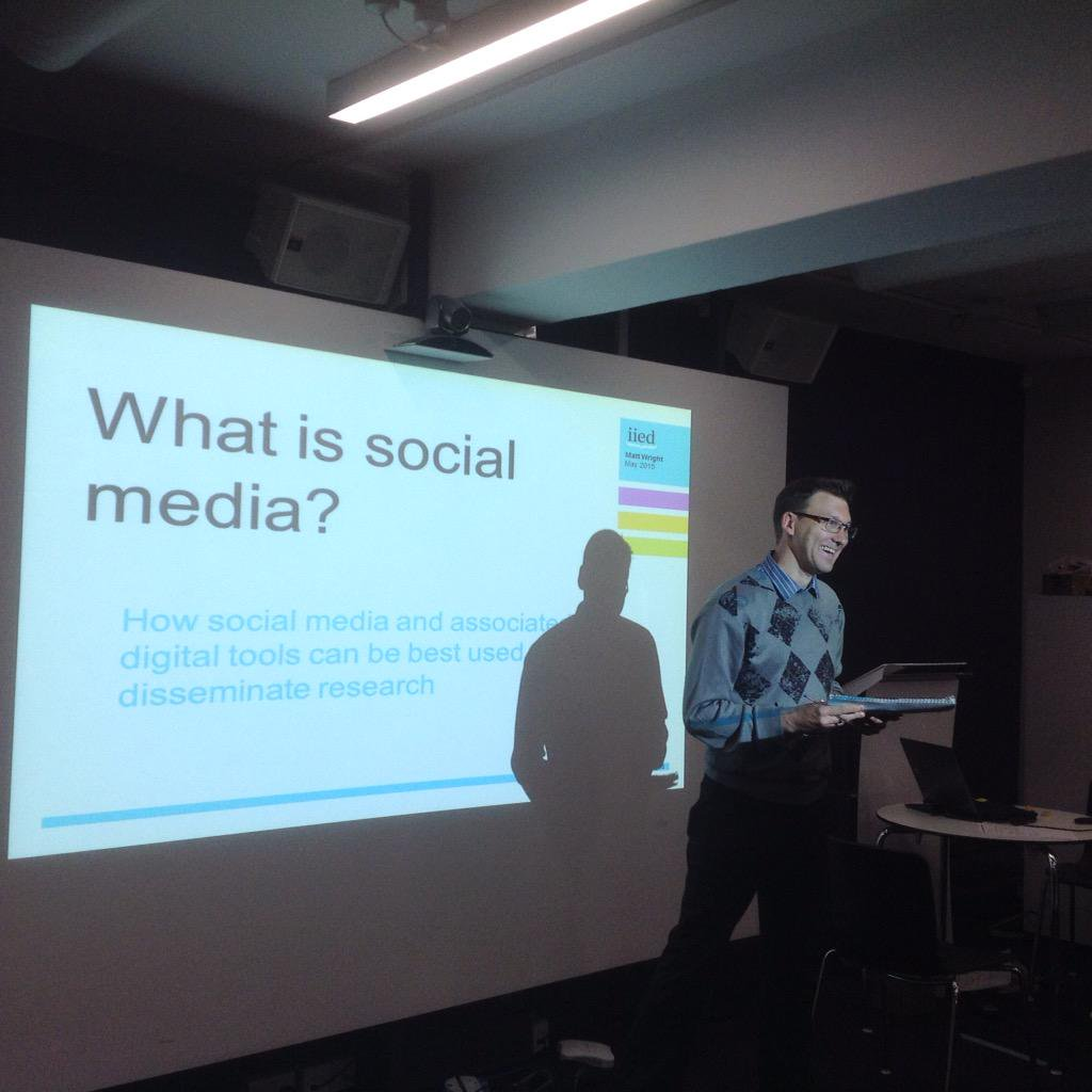 .@mattjobob explaining how to use .@twitter more effectively #commslearningweek http://t.co/8ZHl1boatG