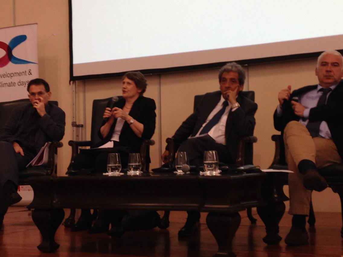 @helenclarkUNDP says the public needs to get a lot noisier to put pressure on politicians to promote #zerozero agenda http://t.co/kYg563pcID